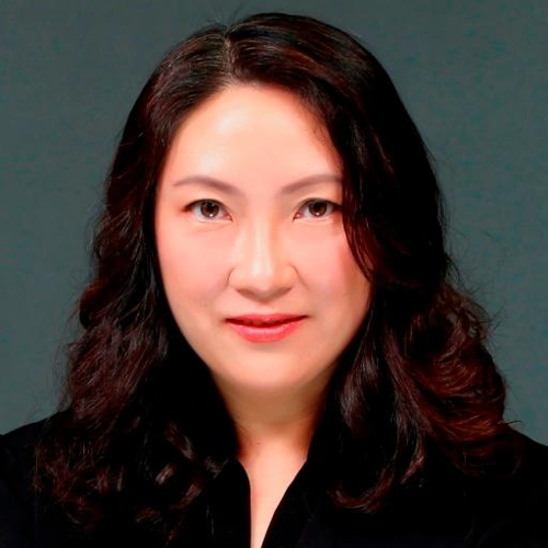 Karen Zhang (HR Director  at  Comet AG in China)